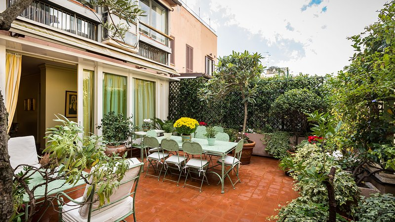 Beautiful large terrace - Perfect Luxury Spanish Steps, Gorgeous Large & Lush Terrace, Spagna Apartment - Rome - rentals