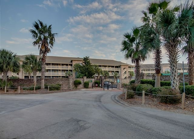 3 Bedroom 2 Bath condo that sleeps 6, located in a gated community - Image 1 - North Myrtle Beach - rentals