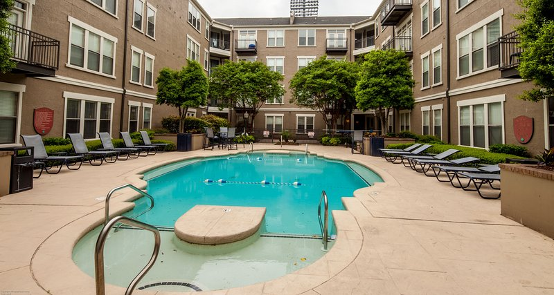 Stay Alfred Memphis Vacation Rental Pool - Attractive 4th Street Apartment by Stay Alfred - Memphis - rentals