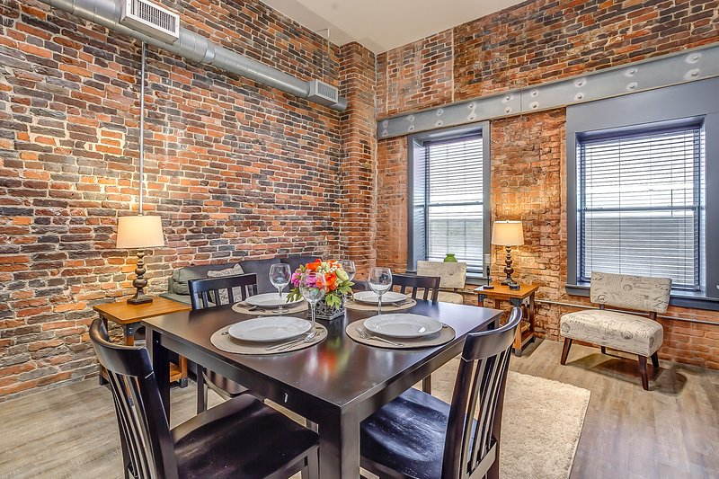 Stay Alfred Nashville Vacation Rental Dining Area - Beautiful Commerce Street Apartment by Stay Alfred - Nashville - rentals