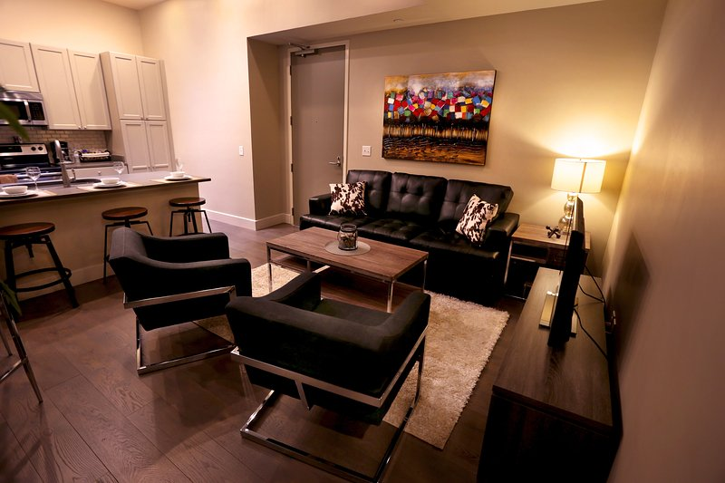 Stay Alfred New Orleans Vacation Rental Living Room - Captivating North Carondelet Street Apartment by Stay Alfred - New Orleans - rentals