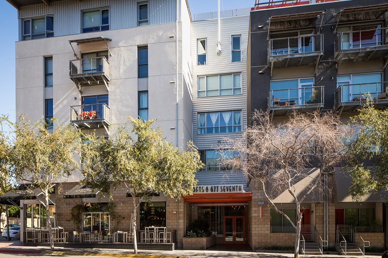 Stay Alfred San Diego Vacation Rentals Building Exterior - Captivating 7th Avenue Apartment by Stay Alfred - San Diego - rentals