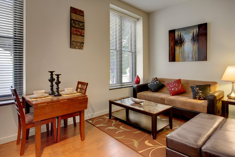 Stay Alfred Seattle Vacation Rentals Living Room - Beautiful Union Street Apartment by Stay Alfred - Seattle - rentals