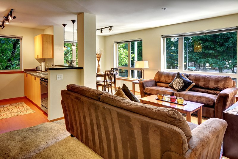 Stay Alfred Seattle Vacation Rentals Living Room - Amazing 4th Avenue Apartment by Stay Alfred - Seattle - rentals