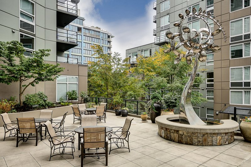 Stay Alfred Seattle Vacation Rentals Community Terrace - Amazing North Western Avenue Apartment by Stay Alfred - Seattle - rentals
