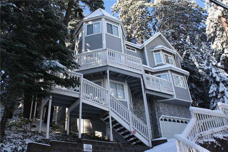 The Victorian Cottage in Lake Arrowhead - Image 1 - Lake Arrowhead - rentals