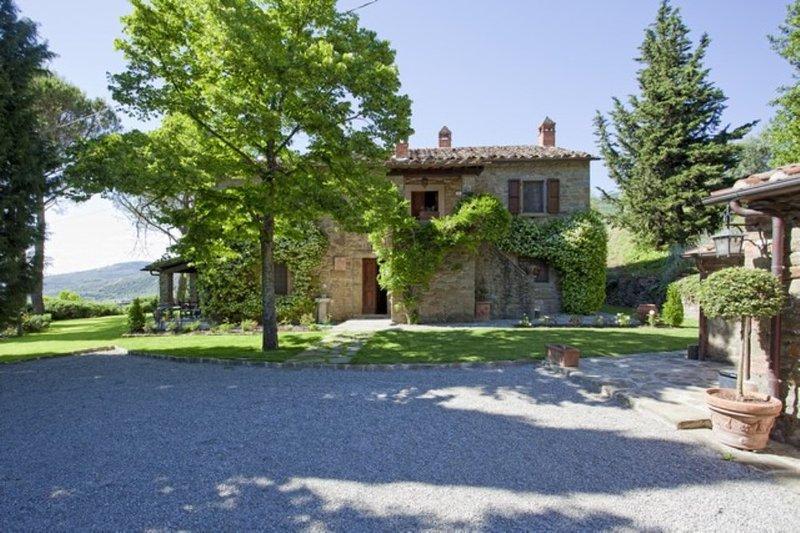 Tuscan Farmhouse with Pool within Walking Distance of Cortona - Casa Rita - Image 1 - Cortona - rentals