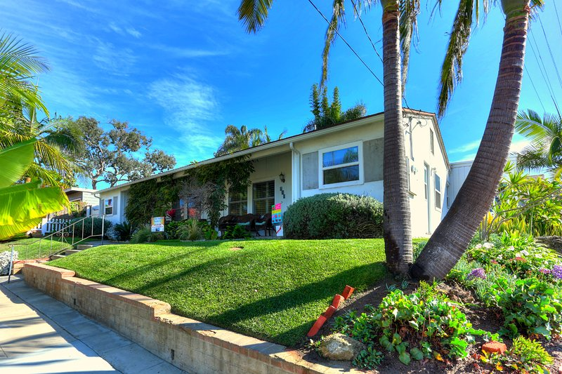 The California Cottage at Windansea  in La Jolla - Image 1 - La Jolla - rentals