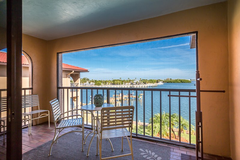 Great end unit water view. - Picturesque Bay Front Property. 90 Second Walk to Gulf Beach. - Manasota Key - rentals