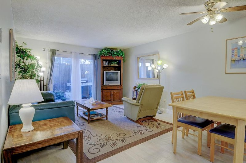 Cozy condo w/ entertainment - walk to the beach & downtown! - Image 1 - San Clemente - rentals
