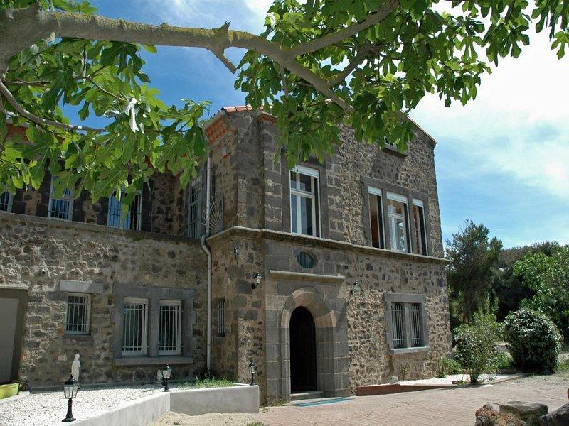 11 bedroom Villa in Marseillan Plage, Languedoc, France : ref 2000114 - Image 1 - Marseillan Plage - rentals