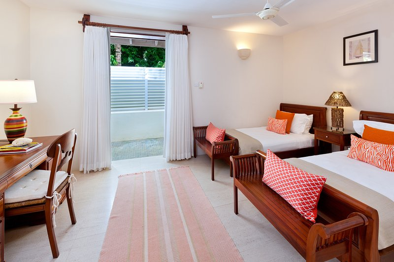 Tom Tom - Bedroom with 2 Twin Beds - Tom Tom - Exquisite Contemporary Villa - Westmoreland - rentals