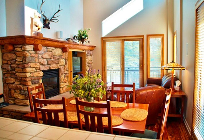 Sky-high condo near Eagle - Listing #241 - Image 1 - Mammoth Lakes - rentals