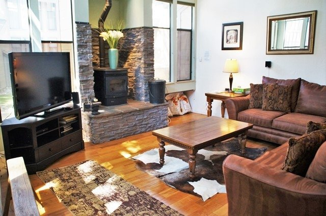 Bright and Spacious St. Moritz Villas - Listing #338 - Image 1 - Mammoth Lakes - rentals