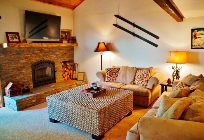 Pinecone Lodge - Listing #348 - Image 1 - Mammoth Lakes - rentals