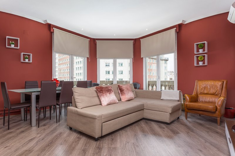 Large sitting room over Gran Via street - NEW REFURNISHED large and stunning  Gran Via St.Center, 6 balconies - Madrid - rentals