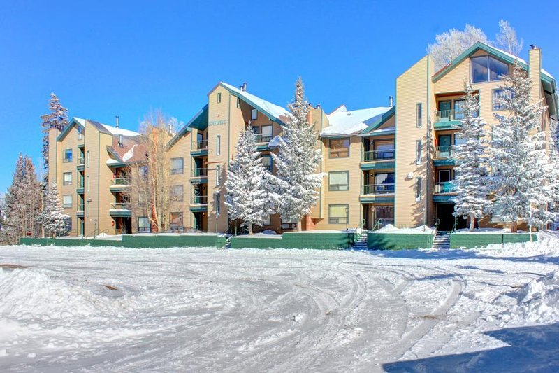 Comfortable, dog-friendly ski-in/ski-out condo for two! - Image 1 - Brian Head - rentals