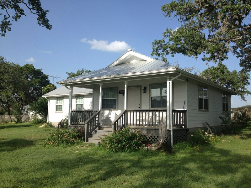 The Cottage  - The Cottage at West 1077 - Bandera - rentals