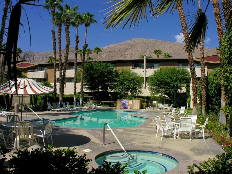 Biarrittz Upscale Beauty - Image 1 - Palm Springs - rentals