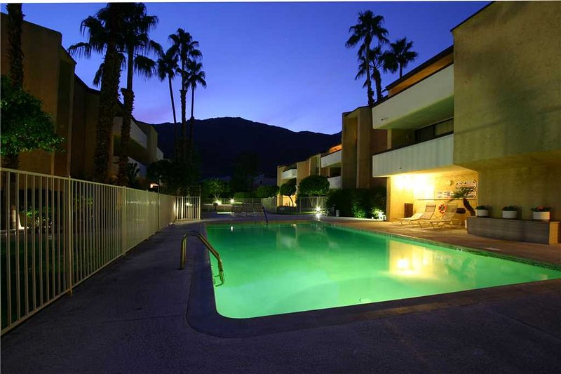 La Casa Canyon - Image 1 - Palm Springs - rentals