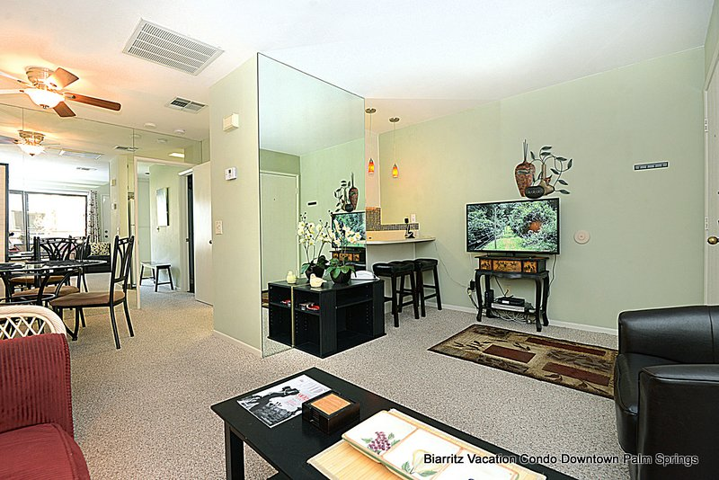 Biarritz Peaceful Retreat - Image 1 - Palm Springs - rentals