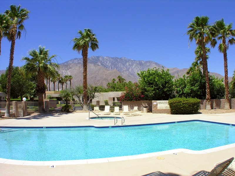 Sunrise Palms Hideaway - Image 1 - Palm Springs - rentals