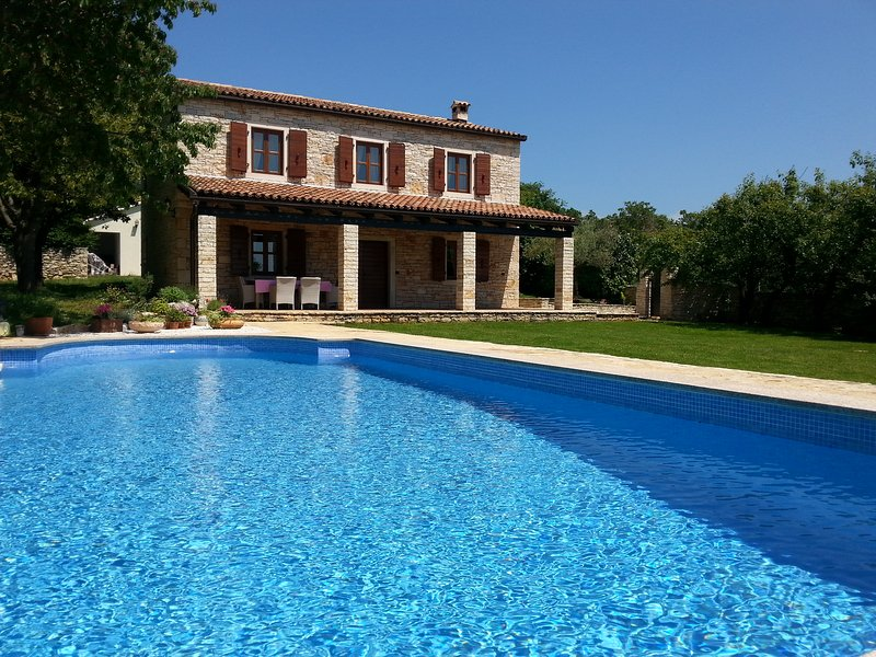 Stone villa with pool  tranquil location in Istria - Image 1 - Sveti Lovrec - rentals