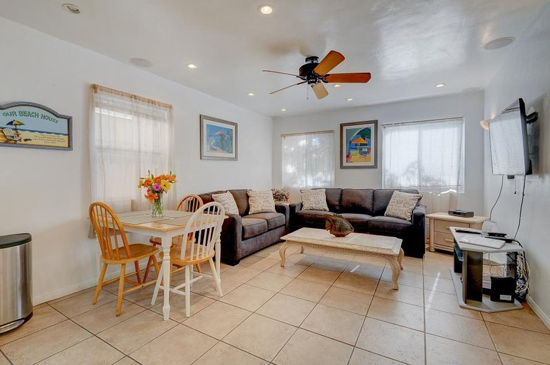 Charming home just 60 steps from the beach & boardwalk! Relax on the nice patio! - Image 1 - San Diego - rentals