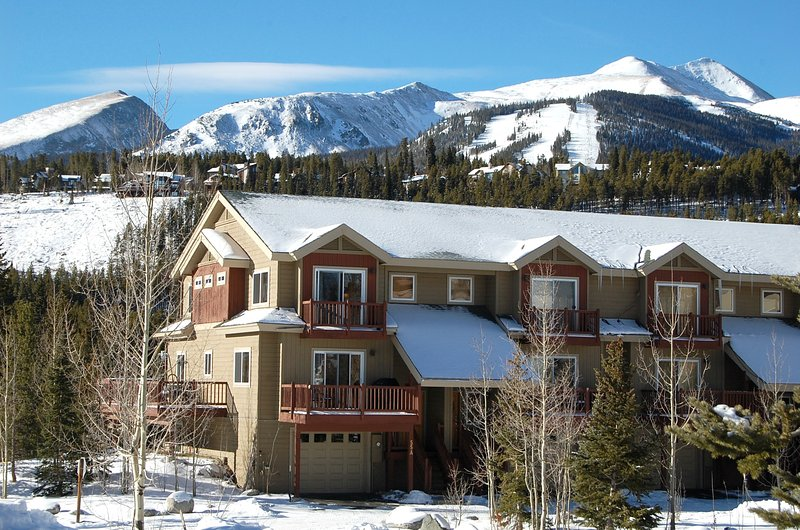 Exterior view with Peak 10 in background - Breck Escape - Breckenridge - rentals
