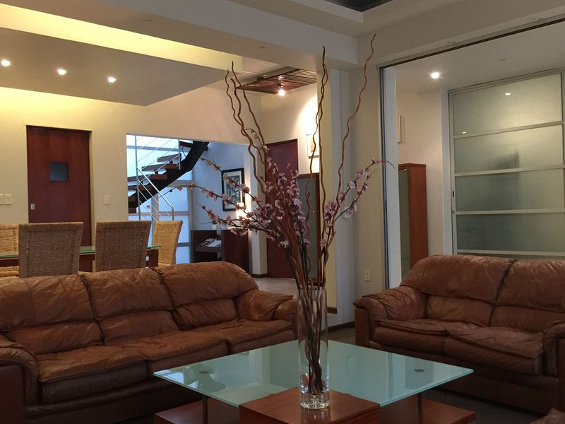 House W/ 6 BR & 6 Baths, Near WTC & Condesa, Ideal 4 Business Groups - Image 1 - Mexico City - rentals
