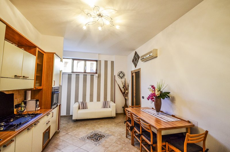 APPARTAMENTO IRIS - SORRENTO CENTRE - Sorrento - Image 1 - Sorrento - rentals
