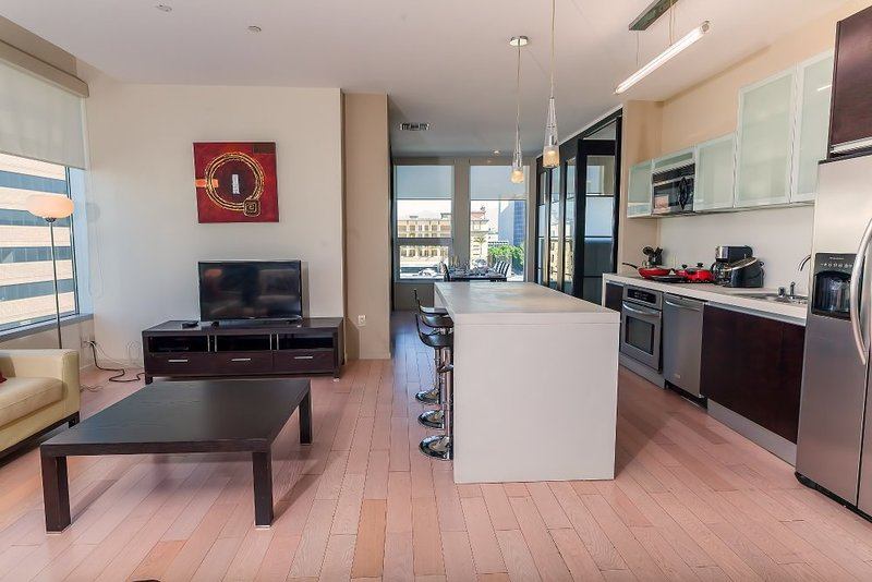 Furnished 3-Bedroom Apartment at Wilshire Blvd & S Beaudry Ave Los Angeles - Image 1 - Los Angeles - rentals