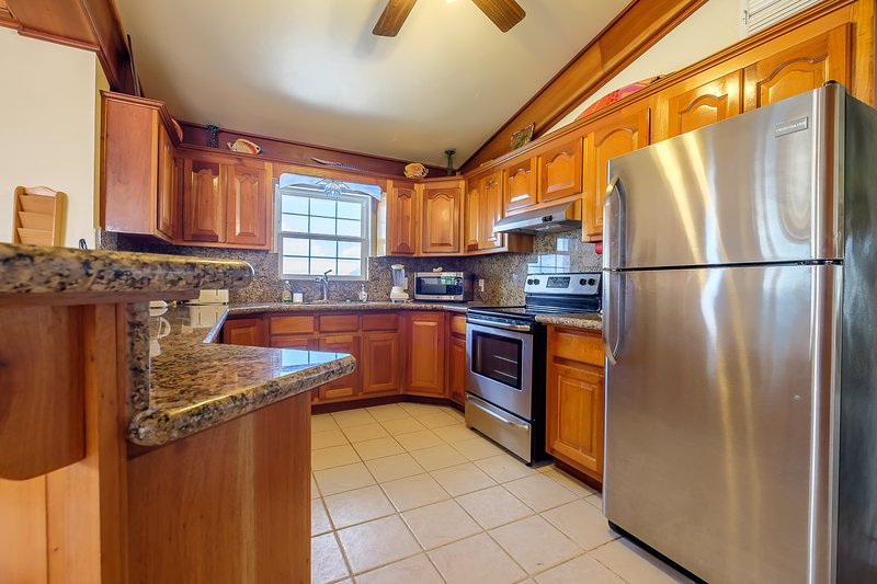 Fully equipped kitchen! Whip up a wonderful meal from ingredients purchased from the nearby market! - 3 bedroom condo on your own private beach! -C3 - San Pedro - rentals