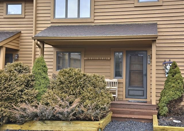 """Front Porch - Truly an """"Idyllic Mountain Getaway"""" in the heart of ski country, Davis, WV - Davis - rentals"""