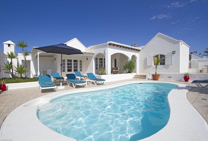 Villa De Carrida - Image 1 - Puerto Del Carmen - rentals