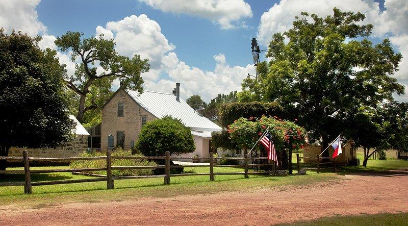 Palo Alto Creek Farm - Itz House - Image 1 - Fredericksburg - rentals
