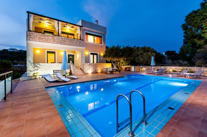 Holiday Villa with Pool and Large Garden in Chania - Image 1 - Chania - rentals