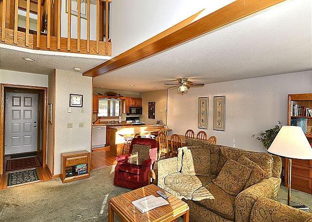 Family Room - Deerfield Village 133 - Davis - rentals