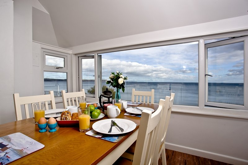 Grandview located in Weymouth, Dorset - Image 1 - Weymouth - rentals