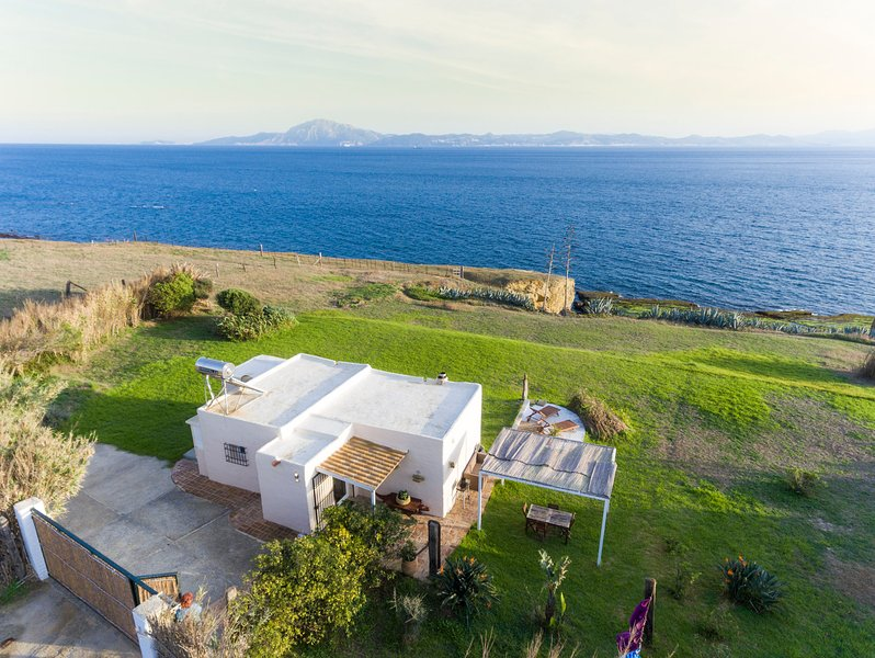 Spectacular Romantic Getaway, Amazing views and location! Aerial view of the house and its location. - Sea Side Romantic Getaway WIFI - Tarifa - rentals