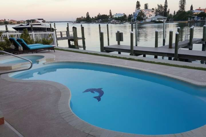 Private backyard waterfront pool - Key West House - Madeira Beach - rentals