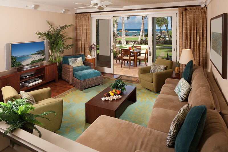 Ocean View Living Room - Direct Ocean View Beach Level 4-Bed (2 Master Suites) Villa Turtle Bay - Kahuku - rentals