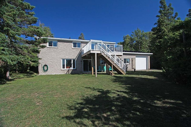 Spry Shores Lake House cottage (#1099) - Image 1 - Stokes Bay - rentals