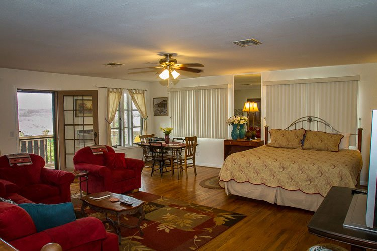 Large comfortable flat with wonderful views of the Sedona Verde Valley - Jerome Million Dollar View 3 - Jerome - rentals