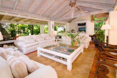 6 Bedroom Coral Stone House on Sandy Lane Beach - Image 1 - Holetown - rentals
