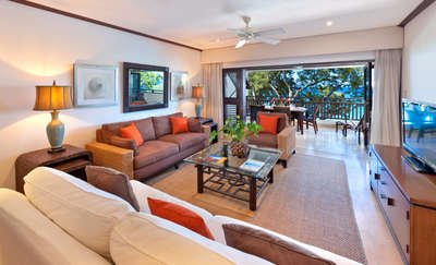 3 Bedroom Beachfront Apartment in Paynes Bay - Image 1 - Holder's Hill - rentals
