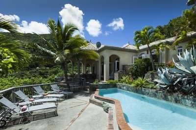 Glorious 4 Bedroom Waterfront Villa in Peter Bay - Image 1 - Peter Bay - rentals