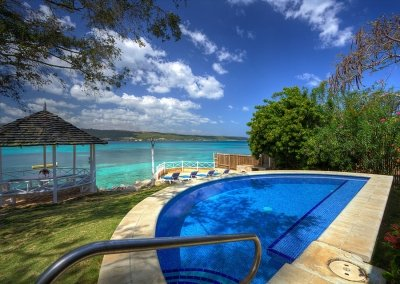 4 Bedroom Villa in Discovery Bay - Image 1 - Discovery Bay - rentals