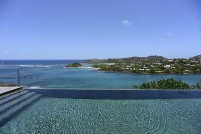 Stunning 4 Bedroom Villa with large Infinity Pool in Montjean - Image 1 - Marigot - rentals