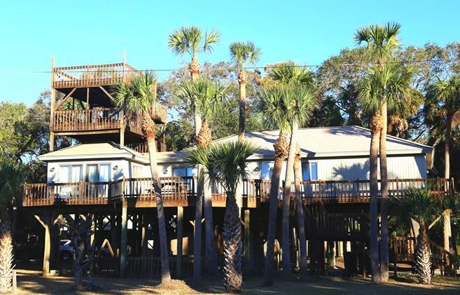 """419 Pompano St - """"All Decked Out"""" - Image 1 - Edisto Beach - rentals"""